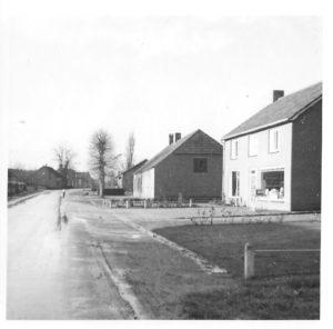 1970 ca FvdH nieuwe winkel Marietje